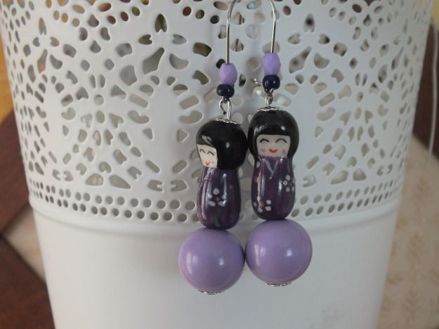 Earrings with hand painted ceramic beads. Japanese women wearing tipical kimono. by PerfectLoveArts 8.00 €