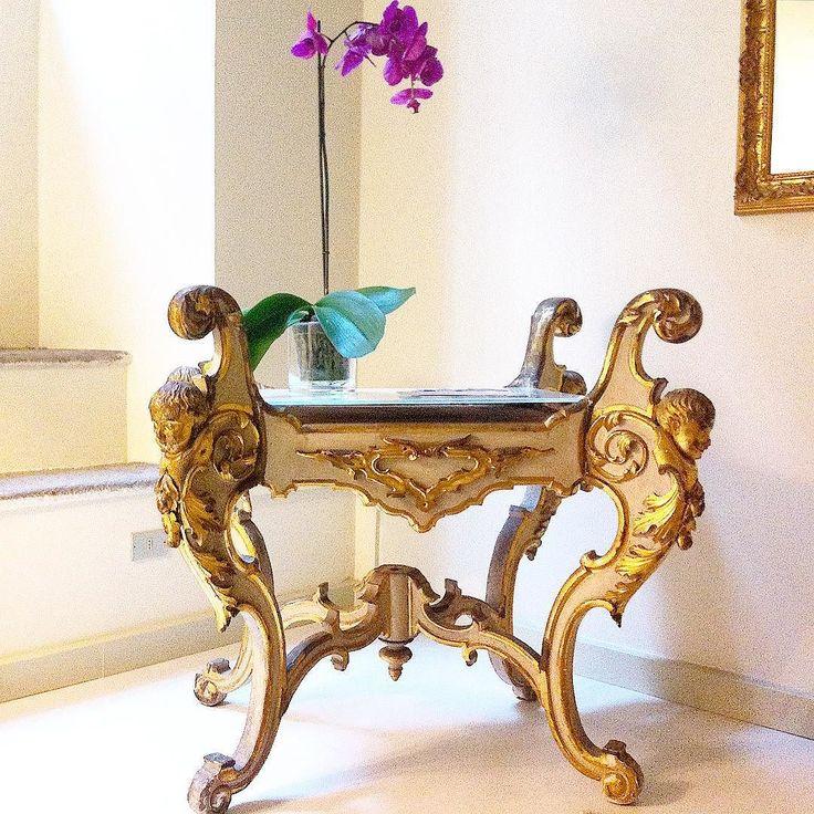Non riesco a dormire  e così invento ..!!#glamor #picoftheday #home #homedesign #homestyle #loryandalpha #lory_alpha #la_glamour #tavolo #prezioso #interiordesign by ahh75 http://discoverdmci.com