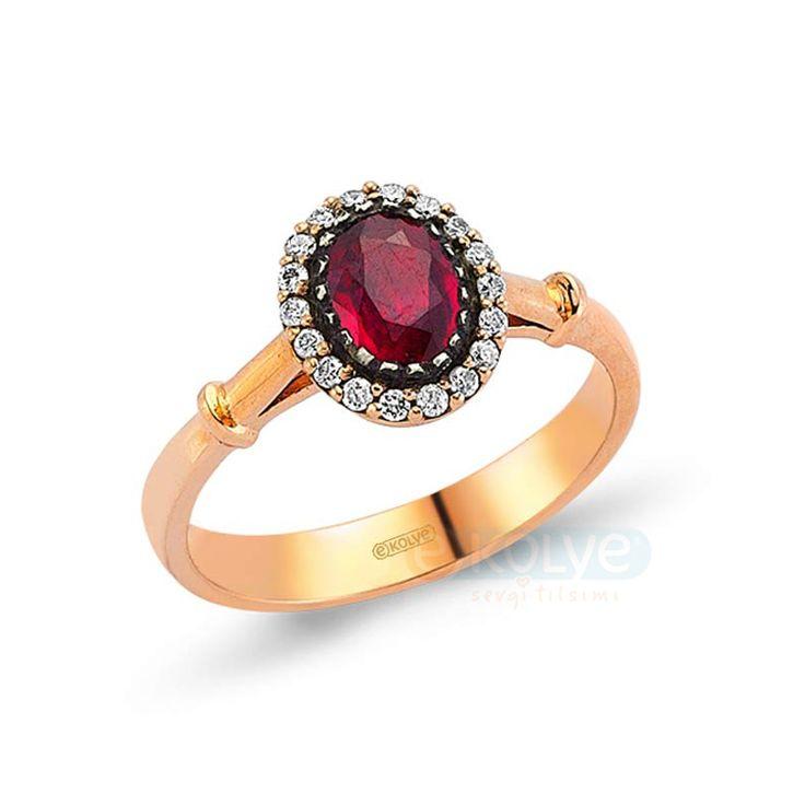 Her elmas; eşsizdir.  Aynı sizin gibi…  Aşkın ve bağlılığın diğer adı olan elmas yüzükler özel günlerin ve gecelerin vazgeçilmez aksesuarları arasındadır.   http://www.ekolye.com/elmas/elmas_yuzuk/