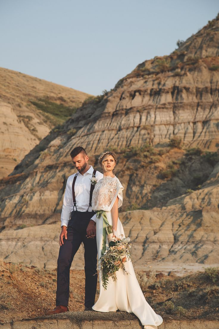 Boho wedding - Boho wedding dress - Desert wedding - Boho wedding inspiration - Photography by Jackie Hall Photography - Regina SK