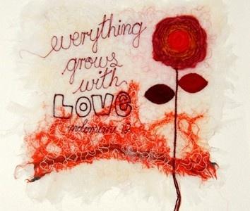 'Everything grows with love'. 'Threads' van Molomimi. Handgemaakte kunststukjes van gerecycled textiel. Fairtrade uit Zuid Afrika.