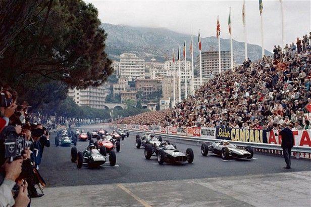 ... Godin de Beaufort, o BRM de Jackie Lewis e o Lotus de Nino Vacarella