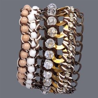 Featuring these Beautiful Metal and Crystal Beads Bracelet in our wide range of Bracelets. Grab yourself one. Now!