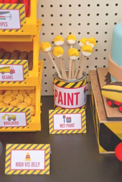 Treats at a Construction Party #construction #partytreats