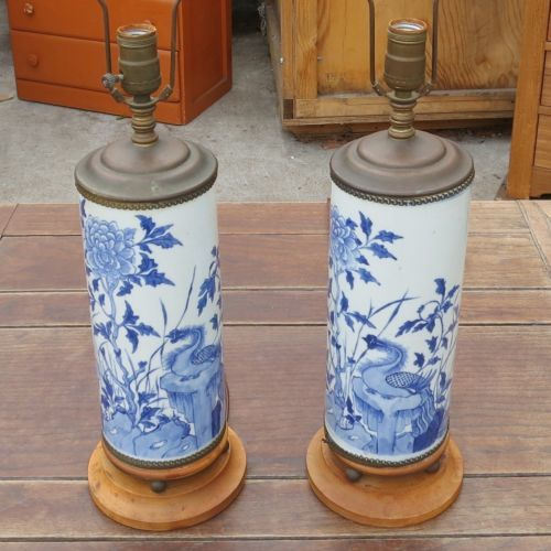 2-ASIAN-STYLE-BLUE-ON-WHITE-Vintage-TABLE-DESK-LAMPS-Lights-CHINESE-Birds-Floral