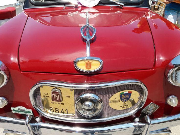 Το Veteran Club Valle D' itria, ένα clubιστορικών αυτοκινήτων από την Πούλια της Ιταλίας, βρέθηκε για τρεις ημέρες στο νησί της Λευκάδας για διακοπές. Σήμερα το πρωί ντόπιοι και επισκέπτες είχαν την δυνατότητα να θαυμάσουν αυτά τα μοναδικά αυτοκίνητα αντίκες επί της οδού Άγγελου Σικελιανού και να τα φωτογραφίσουν. Δεκάδες αυτοκίνητα φροντισμένα σε κάθε λεπτομέρεια, …