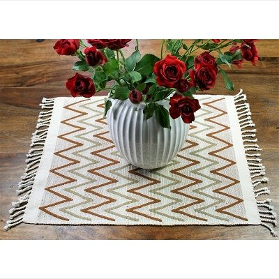 Hand made placemats in natural colored cotton. 100% Cotton made in Guatemala.