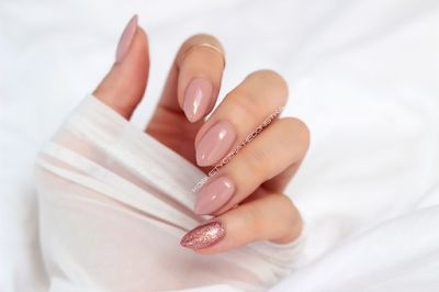 Kosmetyczna Hedonistka: Blog urodowo - lifestylowy   Pielęgnacja włosów   Makeup   Kosmetyki   Moda: Manicure