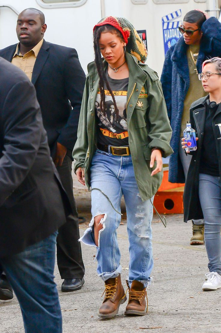 Get a First Look at Rihanna's Costume in Oceans Eight