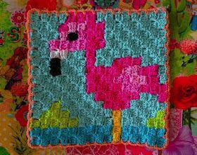 LolaIsHooked: C2C flamingo en verse bloemen