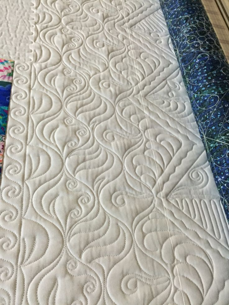 Freehand fun by Kari Smith-Ruedisale   Kariquilts. Repinned from https://www.pinterest.com/kariquilts/kariquiltscom/