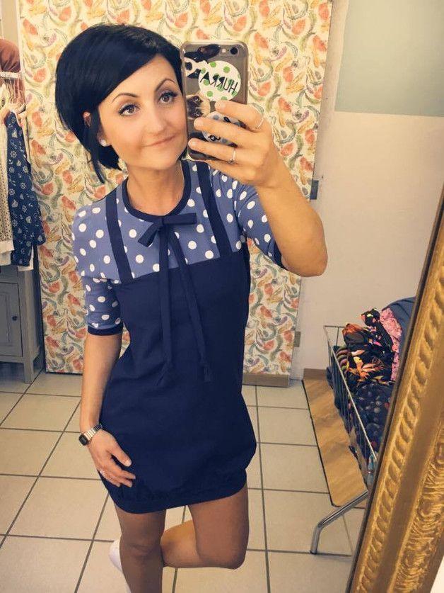 "Ballonkleider - MEKO ""Mony"" Latzkleid Damen Blau Punkte - ein Designerstück vintage look 1960s look dark navy blue dress meko www.DaWanda.de jurk stippen donker blauw print"