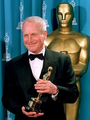 Paul Newman Nominated nine times for a best actor Oscar, he finally took one home for his performance as an aging pool shark in The Color of Money (1986), a sequel to his classic, The Hustler (1961).: Paul Newman, Oscars Winner, Newman 1987, Actor Paul, Humanitarian Awards, Doce Paul, Academy Awards, Jeans Hershholt, Actor Oscars