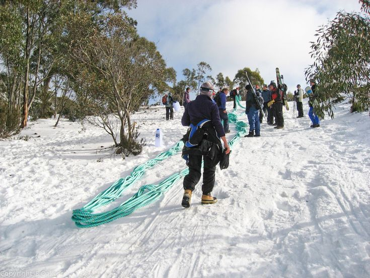 Mount Mawson is located within the Mount Field National Park approx. 1½ hours drive from Hobart in southern Tasmania. The ski area is at an altitude of approximately 1250m and usually gets fairly c…