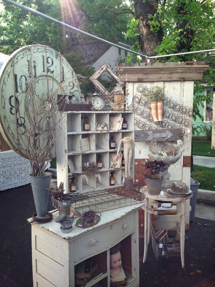 love this whole display. FRENCH COUNTRY COTTAGE: Inspiration~ Flea Market
