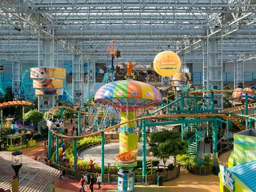 The best date in Minnesota: the Mall of America