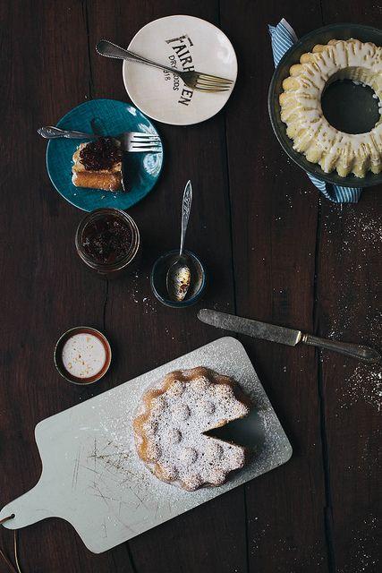 little vanilla cakes