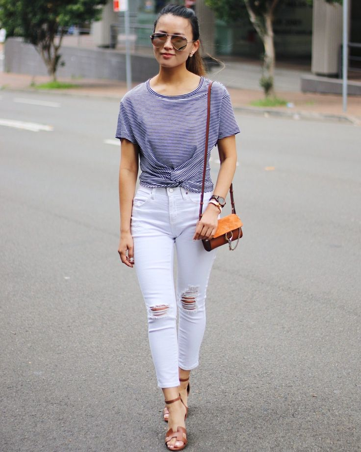 Front knot Cropped stripe tee outfit