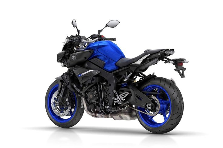 Yamaha MT-10: chunky stance owes as much to the MT09 design as it does to the R1.