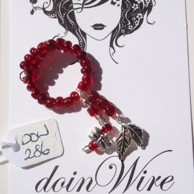 doinWire Wine Charm Red seed beads, red seed beads and dragonfly and leaves. DOW286
