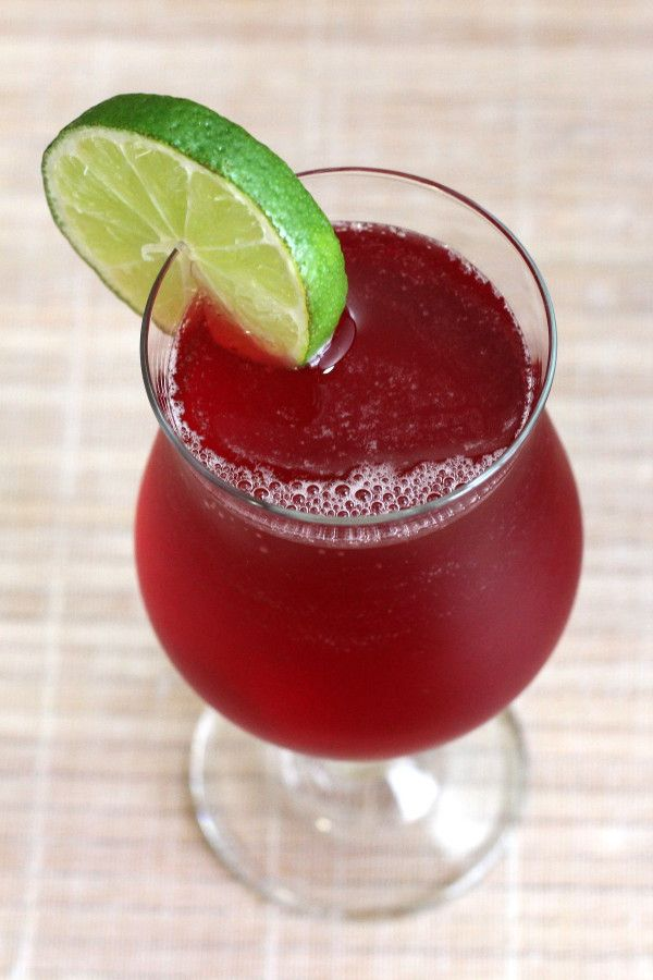 Scarlet O'Hara drink recipe: Southern Comfort, lime, cranberry
