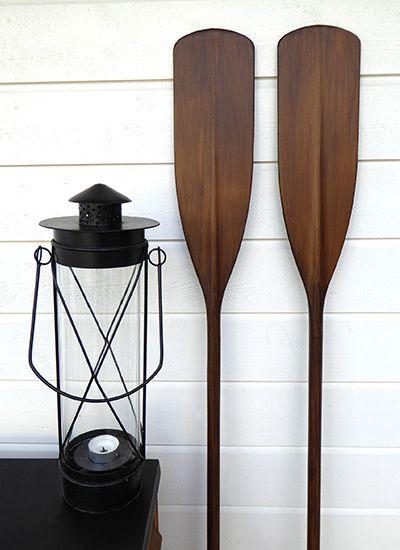 Antikbetsade paddlar och åror passar utmärkt till den populära New England stilen.