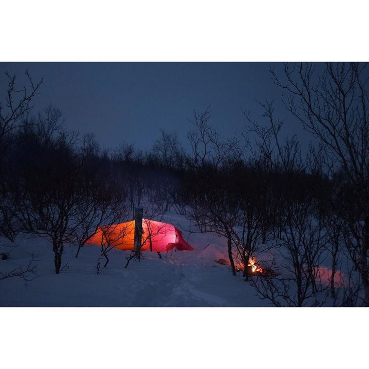 Finally found a camping spot near the treeline. Nice to hide from the wind. #outdoorphotography #hilleberg #skitouring #exploremore #tent #thegreatoutdoors #utpåturaldrisur #tälta #campfire #camplife #liveauthentic by ombild