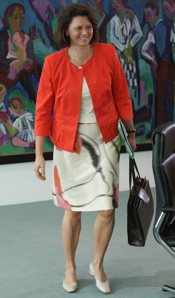 Ilse Aigner - Weekly German Government Cabinet Meeting