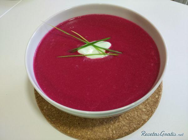 Sopa fría de remolacha y manzana