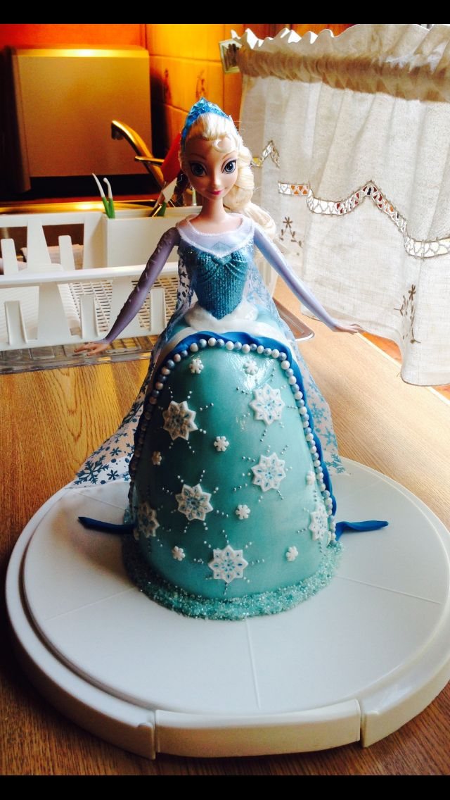 Else cake from the movie Frozen