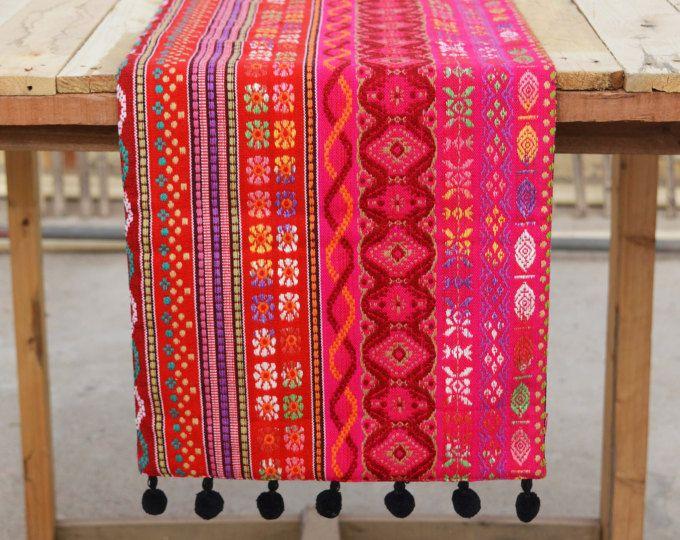 Corridore rosa brillante, corridore della tabella acrilico, dobby multicolore, formato bohemien, aztec, disponibile