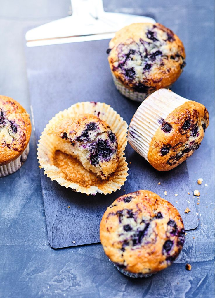 Recette sucrée : muffins aux myrtilles sauvages. De délicieux muffins aux fruits, moelleux à souhait ! Ils seront parfaits, dégustés à l'heure du goûter, au petit déjeuner ou pendant un tea time !