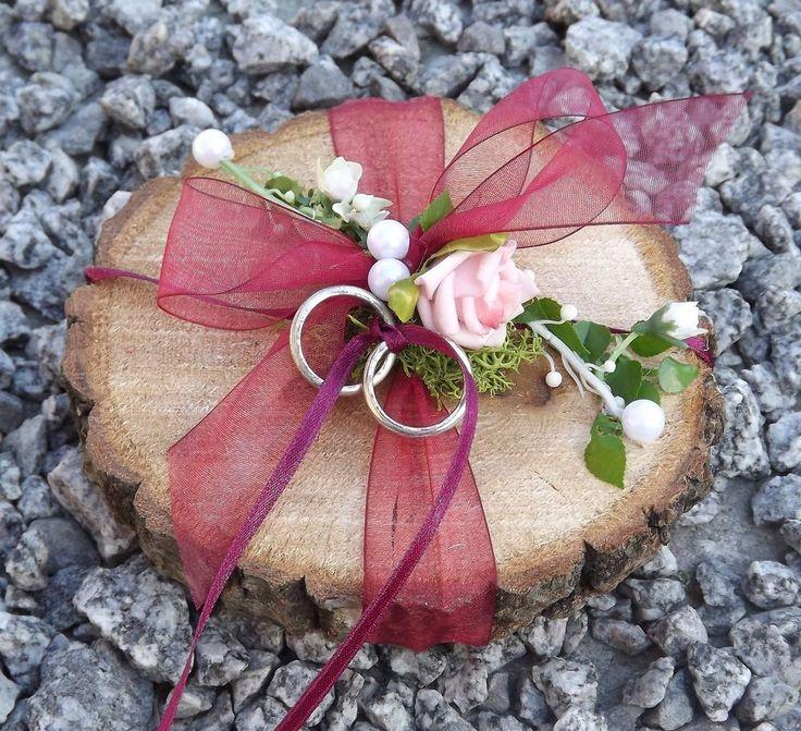 Ringkissen Ringhalter Holzscheibe rund weinrot bordeaux für Eheringe Hochzeit