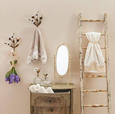 Sümbül kokulu ve vanilya esintili bir sabaha uyanmak... #evdebir #ev #home #banyo #dekor #dekorasyon #decor #decoration #bath