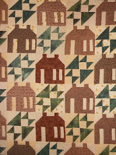 Log Cabin quilt: Vintage Quilts, Traditional Quilts, Quilts House, Bears Quilts, Log Cabins, Log Cabin Quilts, House Quilts, Quilts Ideas, Logs Cabins Quilts