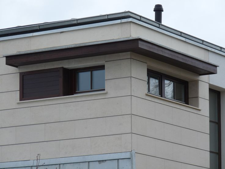 rusztikus ablak és toló fix lamellás zsalugáter