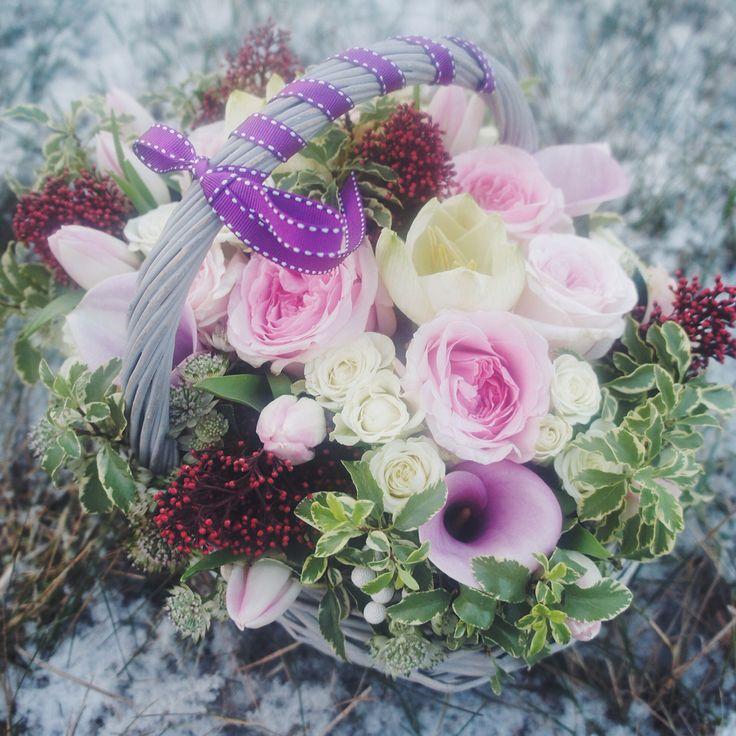 Love these pink roses  #vsco #vscoart #vscocam #vscospb #vscodesign #vscorussia #instaflowers #instafashion #instamood #instagood #flower #flowers #followflowers #fleuraddiction #love #любовь #цветы #цветыспб #цветысдоставкой #beauty #pink #color #spb #питер #петербург #петербургонлайн