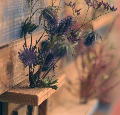 Pallet made into shelf/vase display - this is pretty!  inspiration  *******************************************  DesignSquish - #upcycle #pallet #shelf #vase #display #diy - tå√