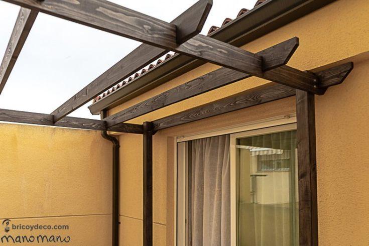 Come costruire un pergolato in legno per il terrazzo (con