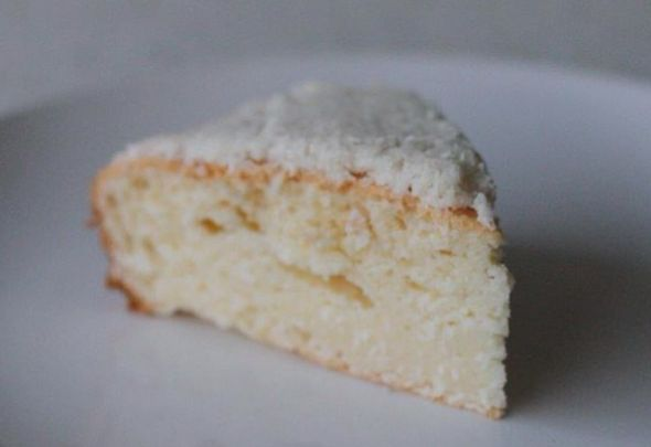 Coconut Cake by Healthy HotLips
