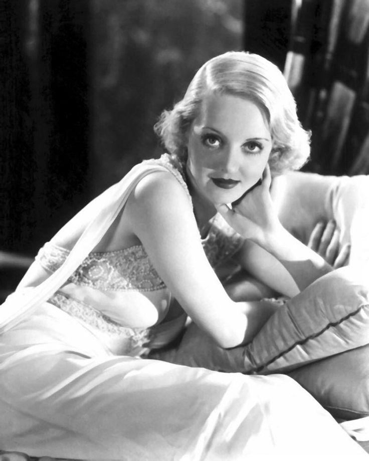 Bette Davis: Betty Davis, Photos, Davis Eyes, Hollywood Glamour, Vintage, Movie Stars, Classic Actresses, Beautiful People, Bette Davis