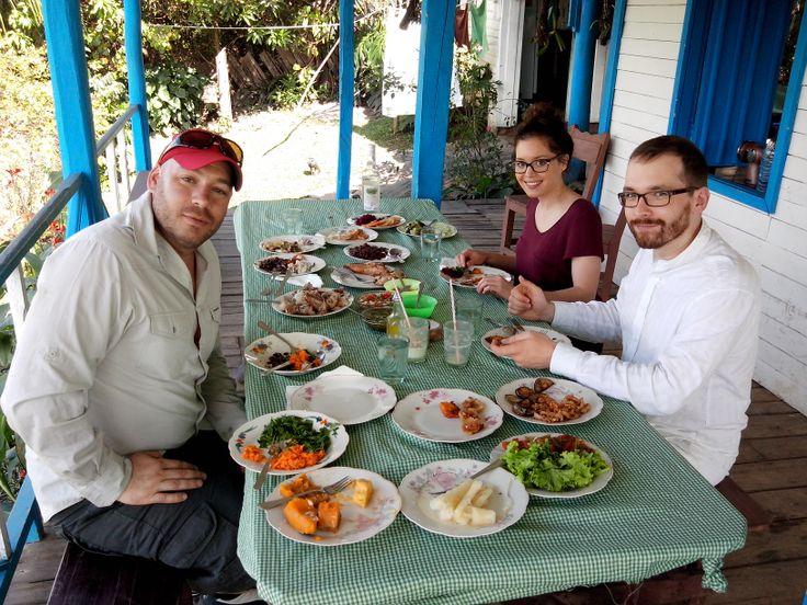 Tasting farm Cuban food, the best of all, in Viñales Alley farm.