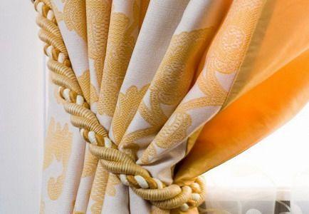 3 самых популярных варианта вывешивания штор: подхваты для штор, прямые шторы и буфы