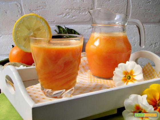 Succo di agrumi curcuma e zenzero  #ricette #food #recipes