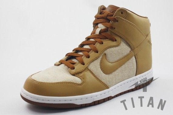"""I usually don't go for this type of silloutte, but this shoe is beautiful. Nike Dunk High """"Acorn"""" 