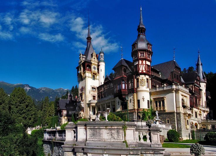 the foundation was laid for Peleș Castle on 22 August 1873. Several auxiliary buildings were built simultaneously with the castle: the guards' chambers, the Economat Building, the Foişor hunting lodge, the royal stables, and a power plant. Peleș became the world's first castle fully powered by locally produced electricity.