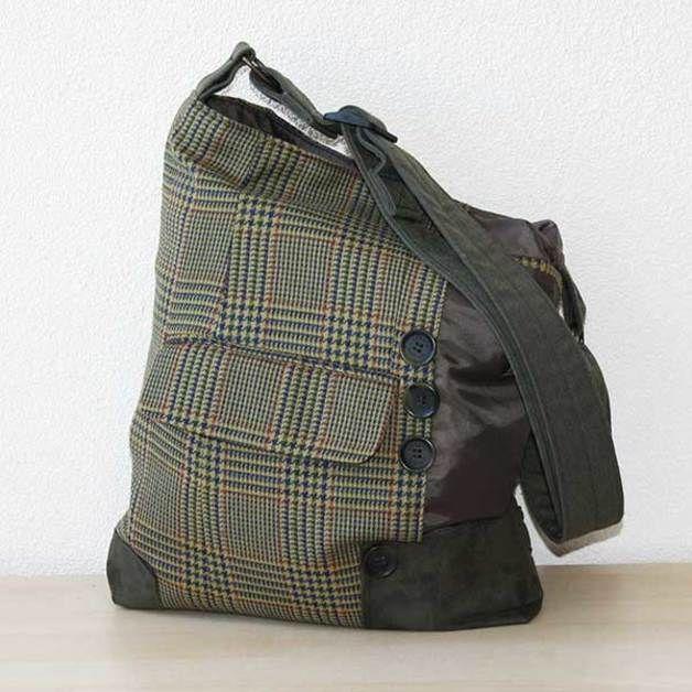 Umhängetaschen - Tasche aus recycleten Anzug - ein Designerstück von vannashop bei DaWanda