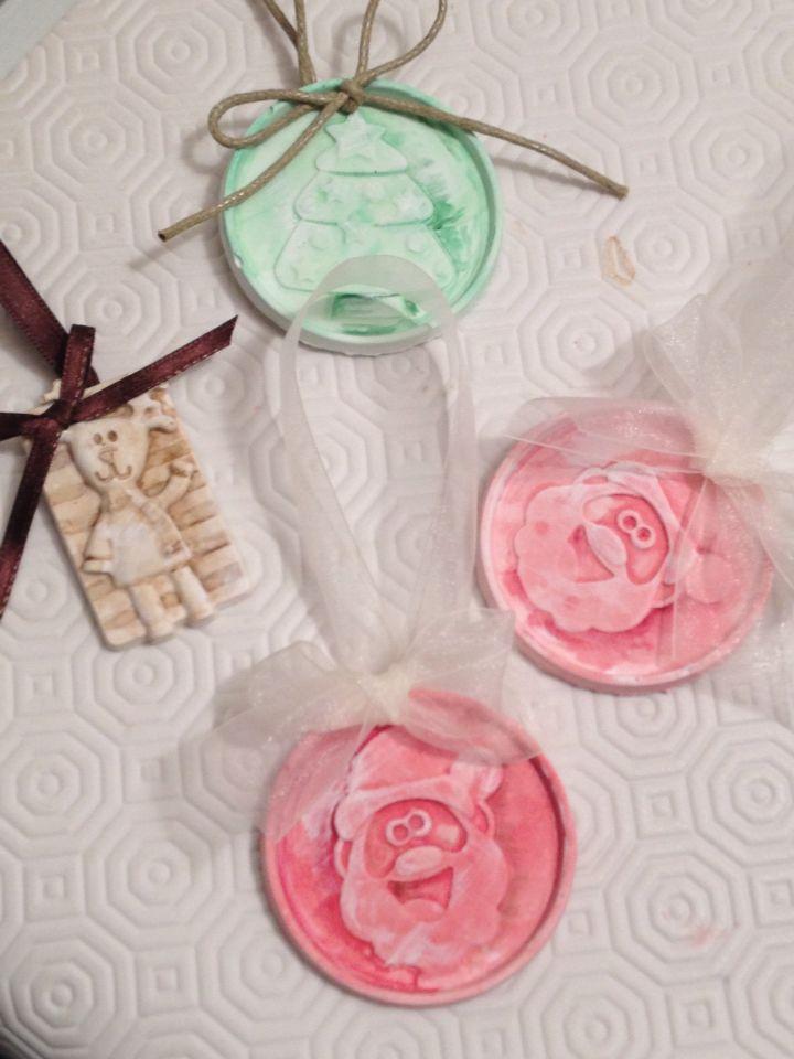 Addobbi natalizi con gessetti colorati