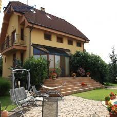 Na predaj lukratívny veľký 7 izbový rodinný dom v obci Šenkvice, okres Pezinok…