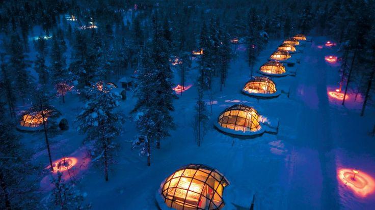 Finlandiya'da modern eskimo evlerinde kalıp Kuzey Işıkları'nı seyretmek ne güzel olurdu...